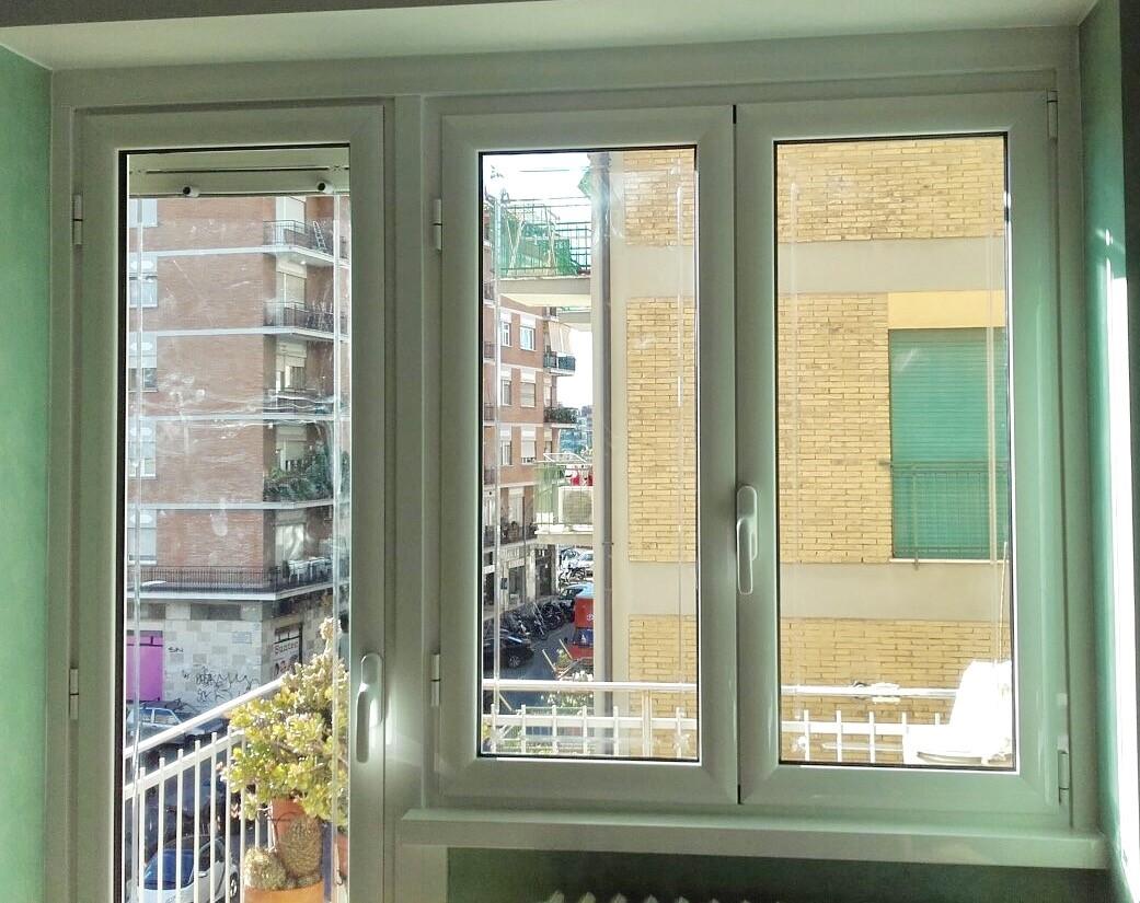 Realizzazioni produzione e vendita di infissi e finestre saliscendi - Finestre saliscendi in pvc ...