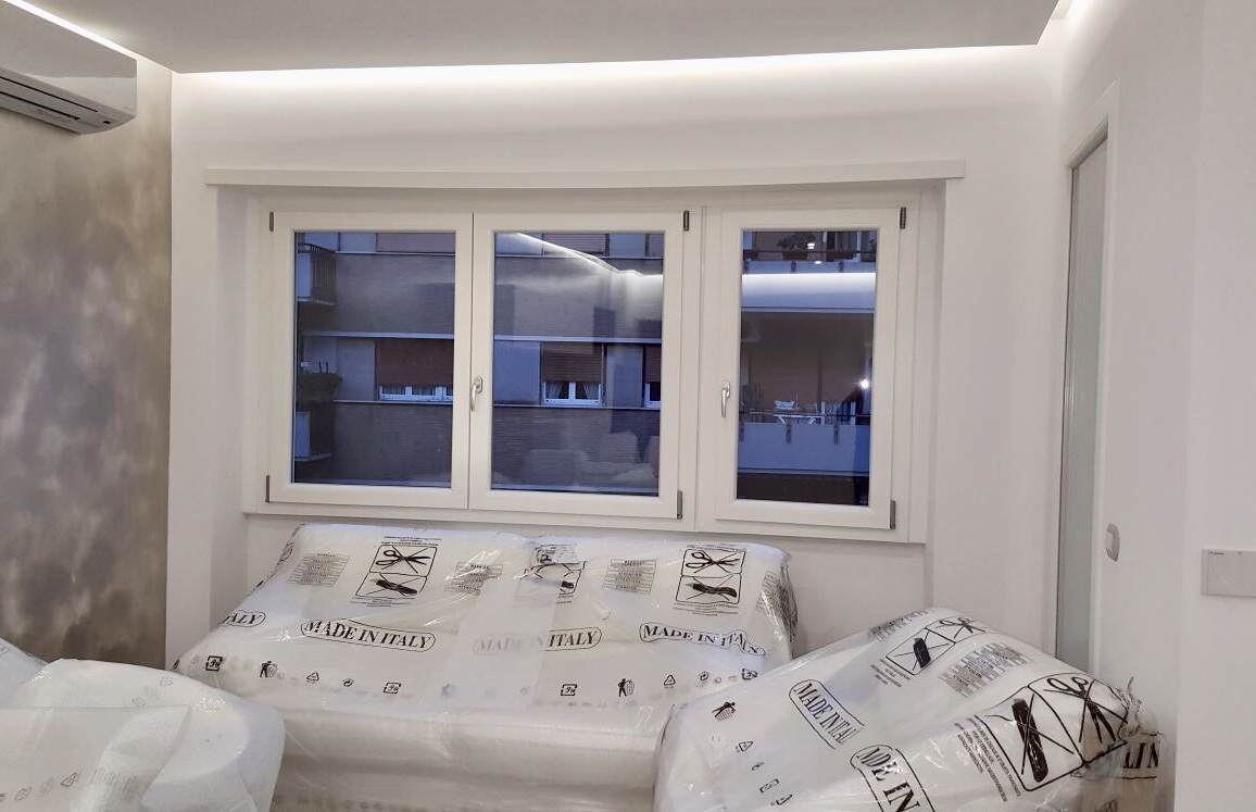 Finestre pvc produzione e vendita di infissi e finestre for Finestra pvc 2 ante