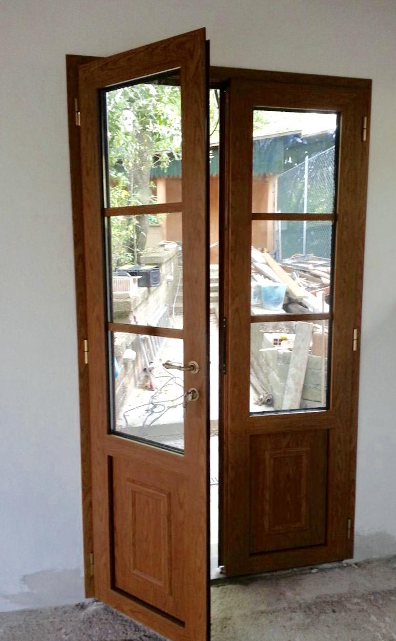 Installazioni produzione e vendita di infissi e finestre - Finestre stile inglese in legno ...