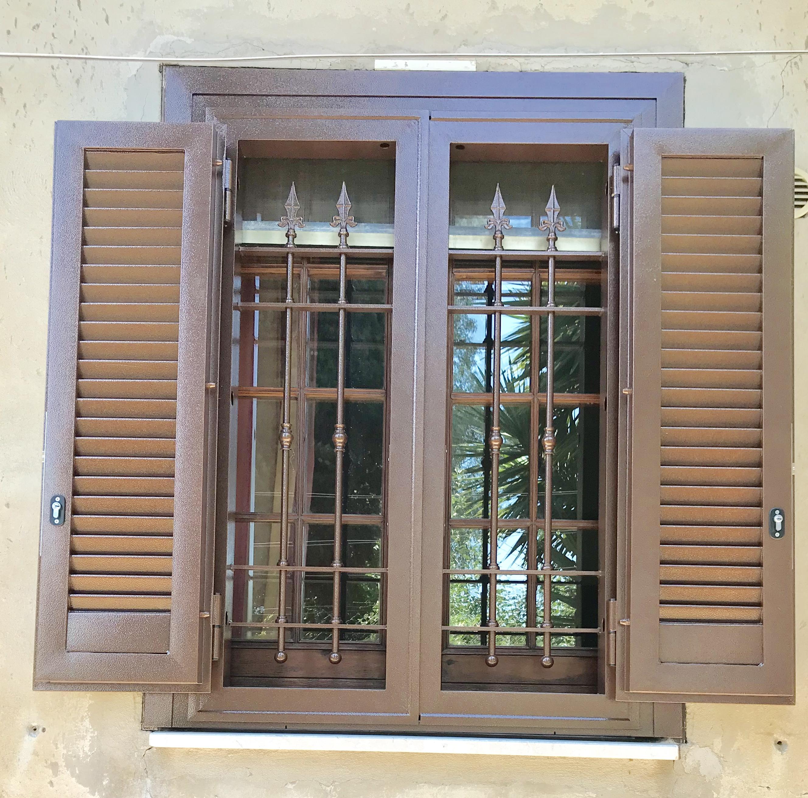 Nuovo sistema grata persiana produzione e vendita di infissi e finestre saliscendi - Finestre saliscendi in pvc ...