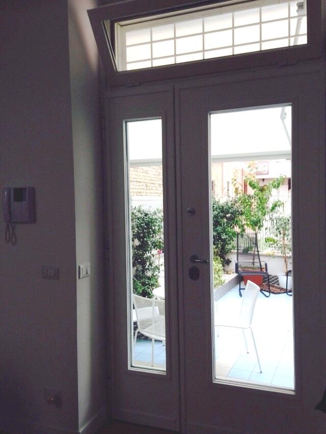 Porte blindate produzione e vendita di infissi e finestre saliscendi - Finestre saliscendi in pvc ...