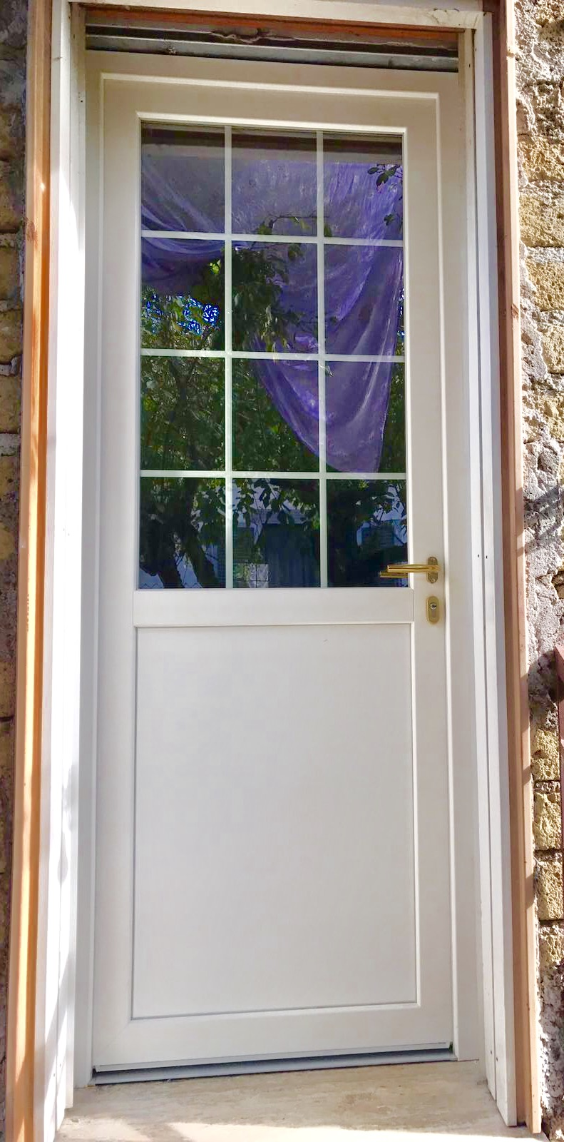 Finestre pvc produzione e vendita di infissi e finestre - Finestre in legno gia pronte ...
